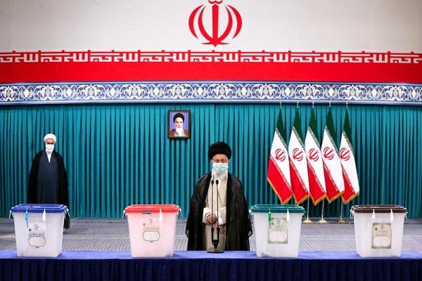 """Le Guide suprême: """"La nation iranienne déterminera aujourd'hui  la destinée générale du pays pour les années à venir."""""""