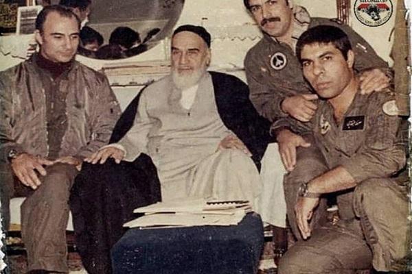 La place de la guerre et de la résistance dans la pensée de l'imam Khomeini (ra)