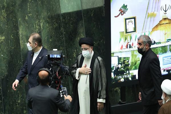 la cérémonie d`investiture du nouveau président iranien, Hodjat-ol-islam Seyed Ebrahim Raïssi