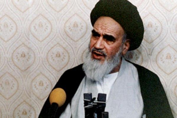 Que s'est-il passé dans l'entretien de l'imam Khomeini avec le journaliste français?