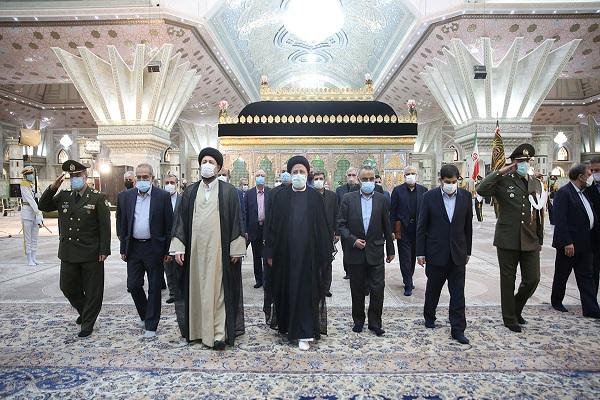 Renouvellement de l`Alliance du Président et des membres du 13e gouvernement avec les idéaux de l`Imam Khomeini