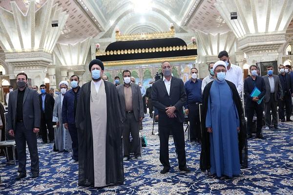 Rencontre du chef et du personnel de l`institut pour la compilation et la publications des oeuvres de l`Imam Khomeini avec Seyyed Hassan Khomeini
