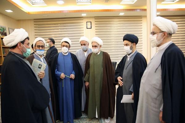 Cérémonie de commémoration de l`arrivée de l`Imam Khomeiny à Qom