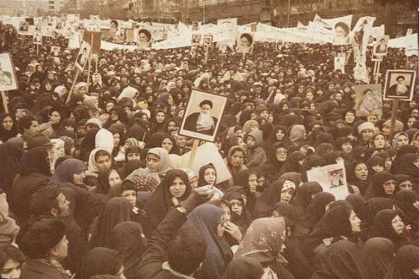 Comment l'imam Khomeini (ra) défendait-il les droits des femmes?