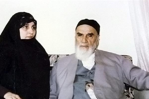 À qui M. Ahmad (le fils de l'imam Khomeini) confiait-il la sécurité de l'imam Khomeini lorsqu'il s'absentait?