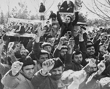 انقلابی سماج میں اخلاقی اور معنوی اقدار پر خصوصی توجہ