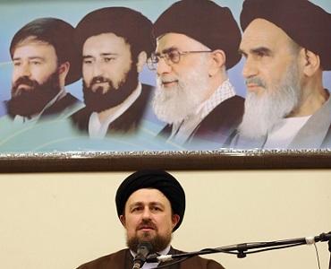 ادارات، رہبری، بیت امام اور انقلاب کی راہ میں عرق ریزی کرنے والی شخصیات سے مدد لیں