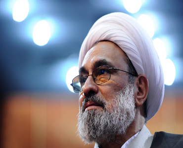 امام کی گود میں مسکرانا