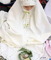 عورتوں کے نماز پڑهنے کا صحیح طریقہ کیا ہے؟