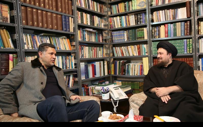قم کی صبا فـٹبال ٹیم کے کوچ اینڈ عملہ کی سید حسن خمینی کے ساتھ ملاقات