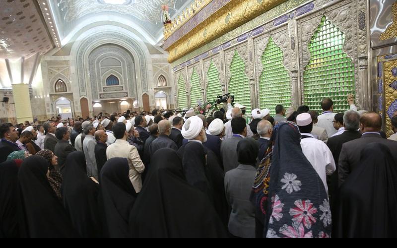 مجمع جہانی اہلبیت(ع) کے اجلاس کے شرکاء کی مرقد امام خمینی(رح) پر حاضری