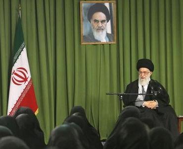 اسلامی شریعت اور جمہوریت، مکتب امام خمینی(رح) کے دو اصلی ستون ہیں