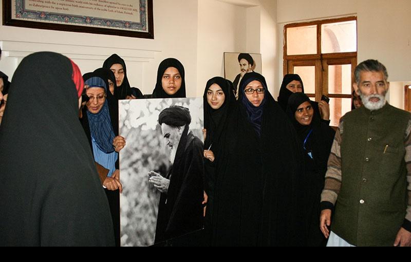 خمین، انڈین کشمیری شیعہ گروپ کا امام خمینی کی جائے پیدائش کے دورے پر/۲۰۱۶ء