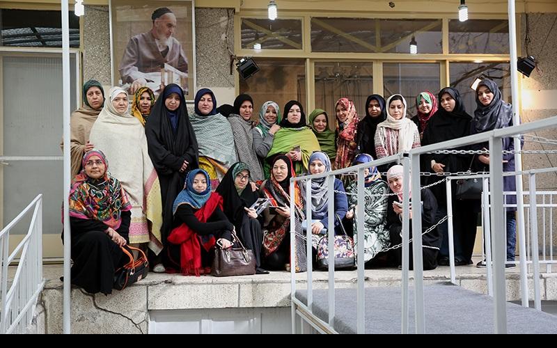 پاکستانی یونیورسٹی کے اساتذہ کا ایک گروپ، جماران کا دورہ کیا