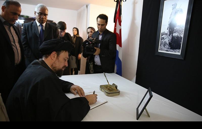 سید حسن خمینی کی تہران میں کیوبا سفارتخانہ میں حاضری، فیڈل کاسترو یادگار کتاب پر دستخط/۲۰۱۶ء