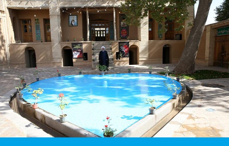 خمین، صدر مملکت شیخ حسن روحانی، امام خمینی کی جائے پیدائش کے دورے پر، نیوز کانفرنس میں شرکت/۲۰۱۶ء