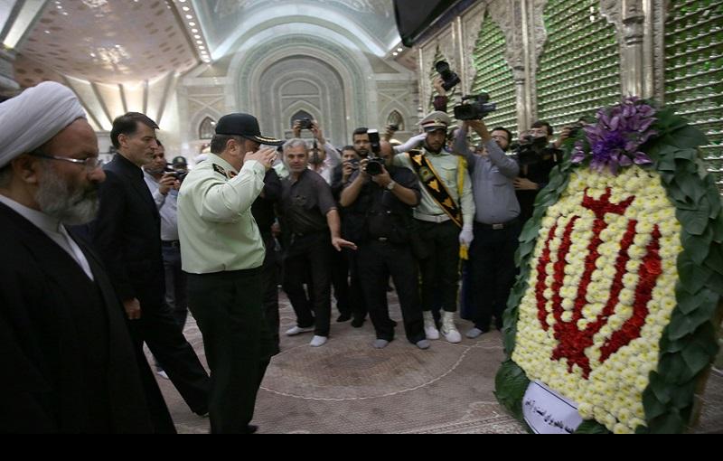 اسلامی ایران کے پولیس کمانڈر اور عملے کی حرم امام(رح) میں حاضری، تجدید میثاق اور یادگار امام سے ملاقات/۲۰۱۶ء