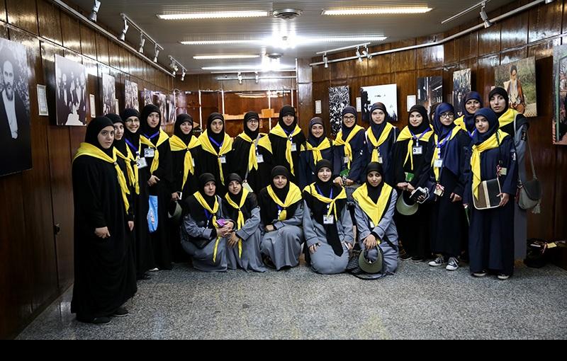 جماران میں غیر ملکی سیاحوں کا امام خمینی کے گھر کے دورے پر/۲۰۱۶ء
