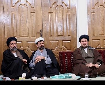 خمینی[رح] کی شخصیت کو بچانے کےلئے قیمت ادا کرنا پڑےگی