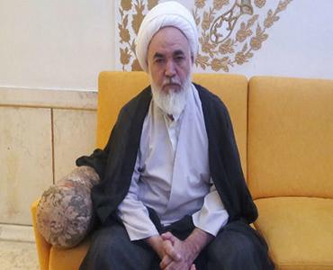 امام خمینی (ره)سیاسی اور اقتصادی مسائل سے مکمل شناسائی رکھتے تھے
