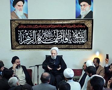 امام (رح): میں امریکہ کے منہ پر مارتا ہوں