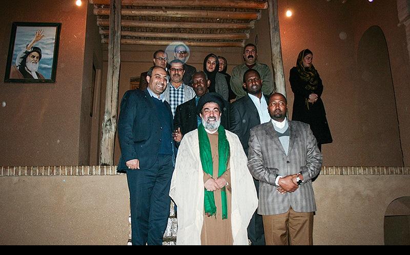 صومالی سفیر، خمین میں امام خمینی(رح) کے تاریخی گھر کے دورے پر