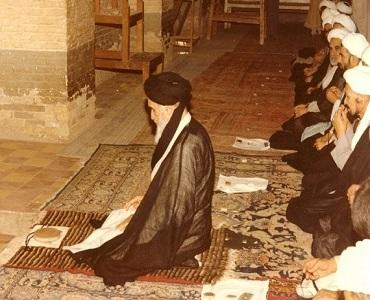 نمـــاز ملت کا حامی ہے؛ مساجد کو خالی نہ چھوڑیں