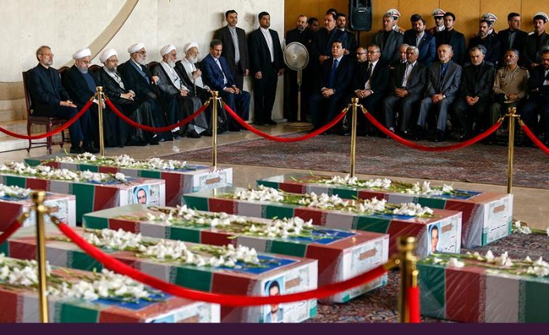 رمضان المبارک ۱۴ویں روز؛ تہران حملوں کے شہدا کی الوادعی تقریب، تشییع اور تدفین کی تصویری رپورٹ /۲۰۱۷ء