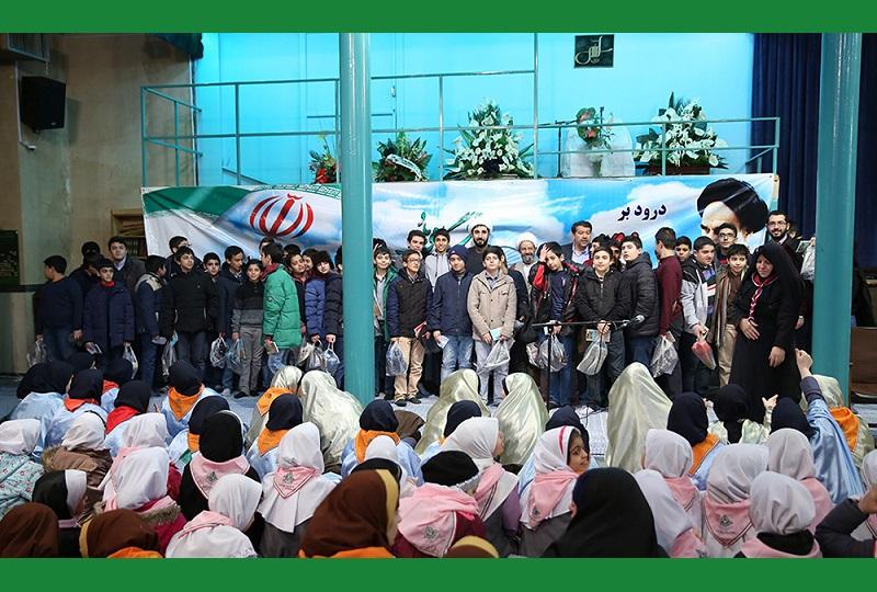 ۱۲ بہمن، انقلاب اسلامی کی ۳۷ویں سالگرہ کے موقع پر، حسینیہ جماران میں عشرہ فجر کا آغاز/۲۰۱۷ء
