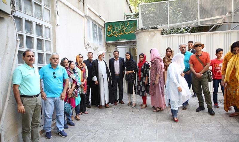 جماران میں امام خمینی (رح) کےگھر کا ہندوستان کے جنگ کے سکول اور دفاع مینجمنٹ کے بورڈکا دورہ