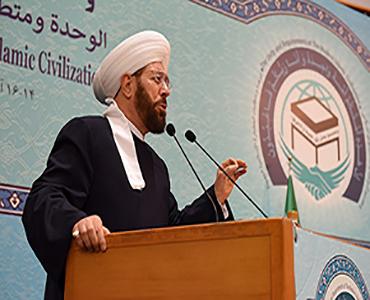 ہمیں امام خمینی (رح) کی طرح، غریبوں کی حمایت کرنی چاہیے