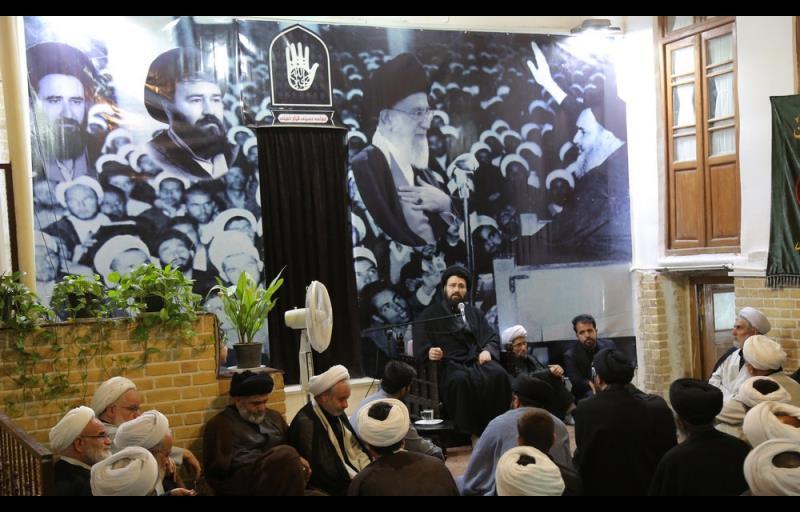 معصومہ قم میں یادگار امام سید علی خمینی کی مصروفیات، مجلس عزائے حسینی اور آیت اللہ راستی مرحوم کی فاتحہ خوانی میں شرکت نیز ائمہ جماعات کےساتھ ملاقات، تصویری رپورٹ /۲۰۱۷ء