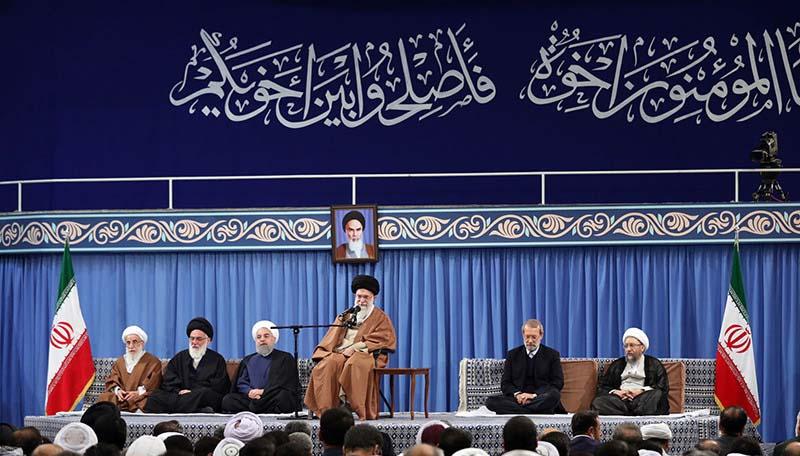رہبر معظم انقلاب اسلامی سے اعلی حکام اور بین الاقوامی وحدت اسلامی کانفرنس کے غیر ملکی مہمانوں کی ملاقات