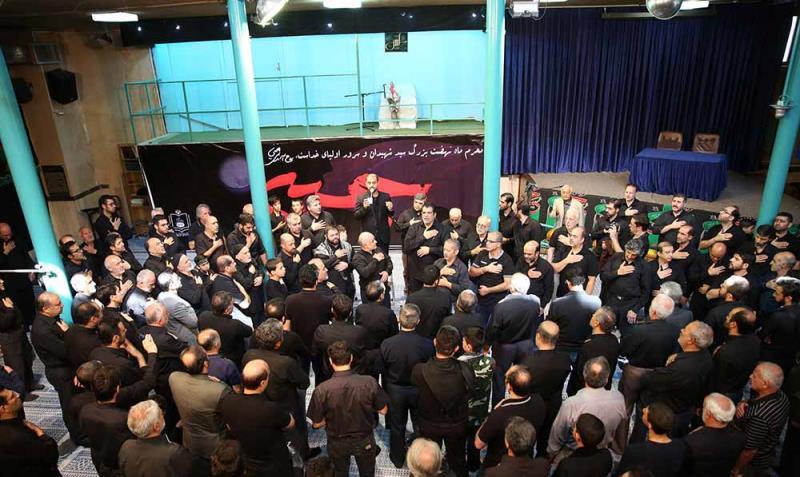 حسینیہ جماران میں ظہر عاشوراء کی عزاداری کی تقریب