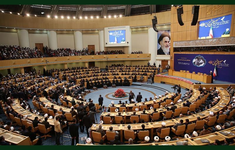 آیت اللہ سید مصطفی خمینی کی ۴۰ویں برسی، تہران اجلاس ہال میں ملکی اور غیرملکی شخصیات کی موجودگی میں منعقد ہوئی؛ تصویری رپورٹ /۲۰۱۷ء