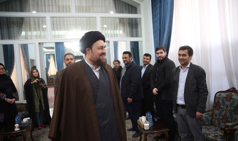 """اراکین """"انجمن اندیشہ و قلم"""" کی سید حسن خمینی سے ملاقات"""