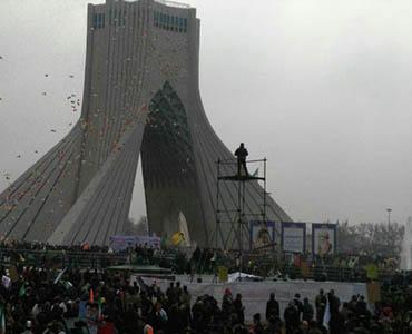 ایران بھر میں انقلاب اسلامی کی کامیابی کی 38 ویں سالگرہ کے موقع پر عظیم الشان ریلیوں کا اہتمام
