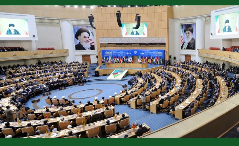فلسطینی انتفاضہ کی حمایت میں چھٹی بین الاقوامی کانفرنس، تہران سربراہاں اجلاس ہال میں رہبر معظم انقلاب کی تقریر کے ساتھ، آغاز ہوئی /۲۰۱۷ء