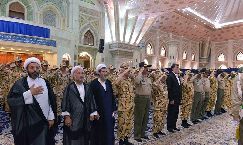آرمی کے کمانڈرز اور فوجی افسران کی یونیورسٹی کے طلباء کا امام خمینی (ره) کے ساتھ تجدید عہد