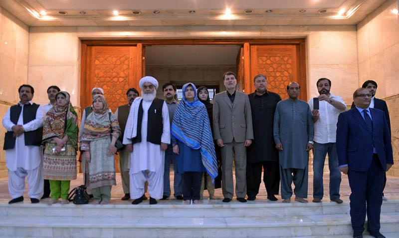 حرم امام خمینی(رح) میں بلوچستان صوبائی اسمبلی کی صدر کی حاضری اور خراج تحسین