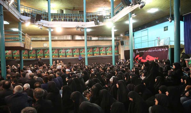 حسینیہ جماران میں صبح عاشوراء کی عزاداری