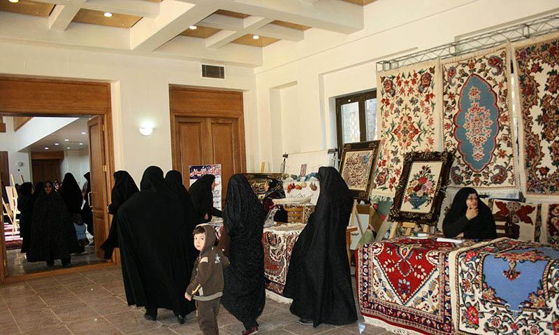 خمین میں، امام خمینی (ره) کے تاریخی گھر پر  کرافٹس میلے کا افتتاح