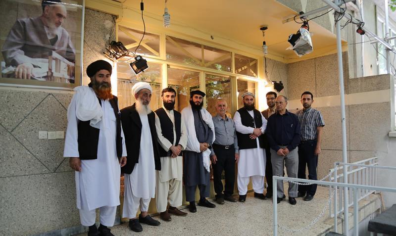 افغانستان کے سنی علماء کا امام خمینی (ره) کے گھر کا دوره