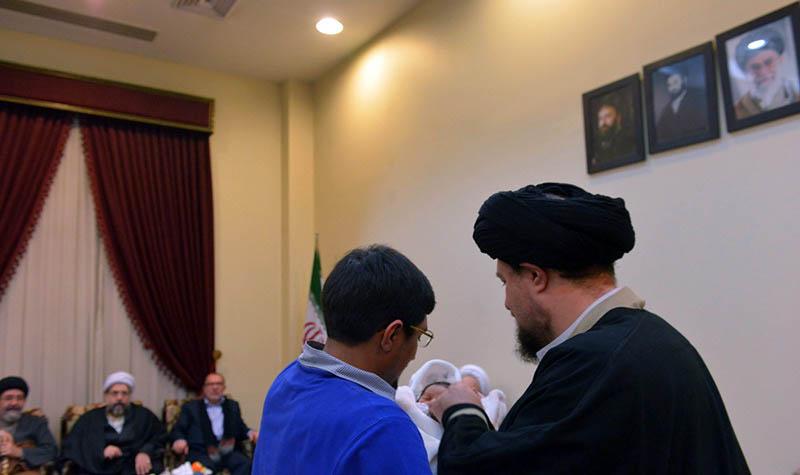 افغان مہاجرین کے مذہبی اداروں کے عہدیداروں کے کونسل سید حسن خمینی کے ساتھ دیدار کیا