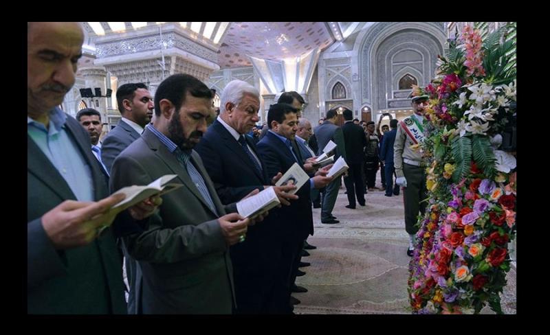 الاعرجی، عراقی وزیر داخلہ اور ہمراہ وفد کی حرم امام خمینی(رح) میں حاضری اور فاتحہ خوانی /۲۰۱۷ء