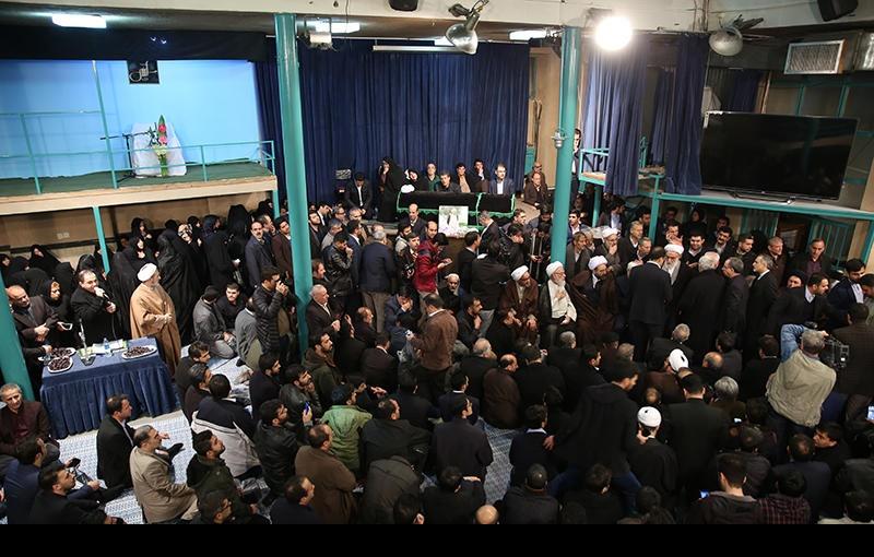 ہاشمی رفسنجانی یـــــــار امام خمینی کے جنازہ حسینیہ جماران میں، تصویری رپورٹ (۱)/۲۰۱۷ء