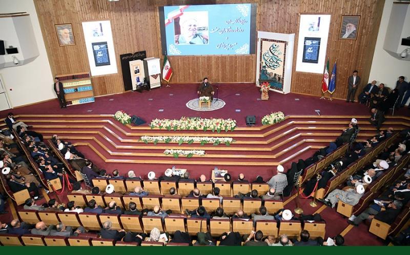 "سید حسن خمینی کی موجودگی میں آیت اللہ ہاشمی رفسنجانی کی ""« روزها و روزگاران سخت » اور « صبر و پیروزی »"" نامی کتابوں کا رسم اجرا /۲۰۱۷ء"