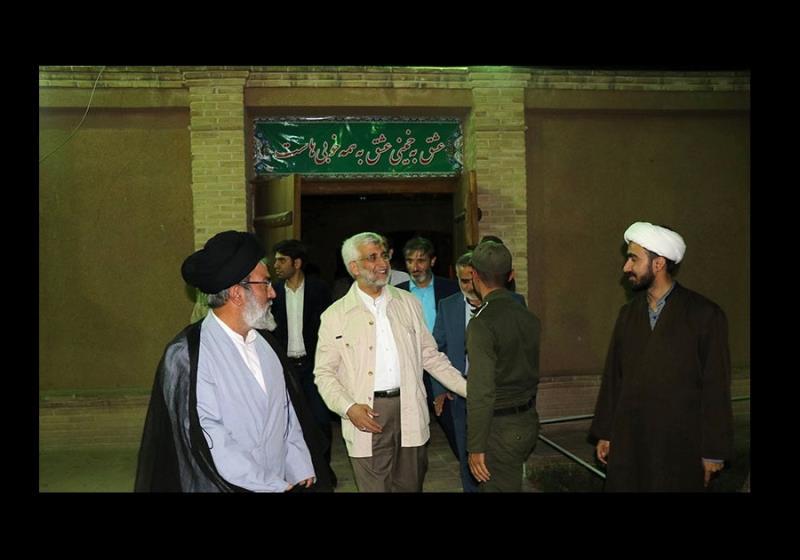 ڈاکٹر سعید جلیلی اور لوگوں کا خمین میں امام خمینی کی جائے پیدائش کے دورے پر /۲۰۱۷ء