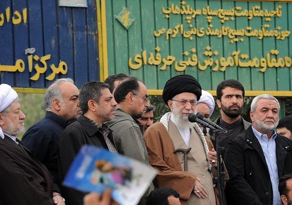 رہبر انقلاب اسلامی زلزلے سے متاثرہ علاقوں کے دورے پر