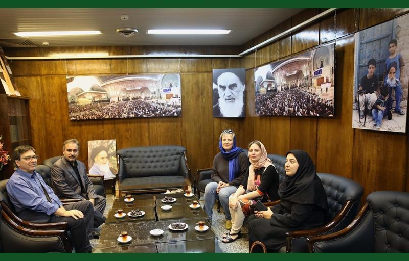 """روس سینٹ پیٹرز برگ کے """"مذاہب کے تاریخی میوزیم"""" کے مشیر اعلی نے تہران میں جماران کا دورہ کیا /۲۰۱۷ء"""